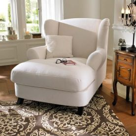 1cde500328a06f1e764d42d39a437bc1--bedroom-reading-chair-comfy-reading-chair